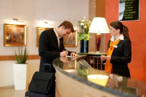 7 mistakes to avoid during hotel checkout - matini hotels